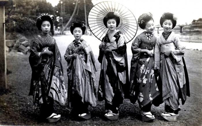 Прекрасные майко, 1920 год.
