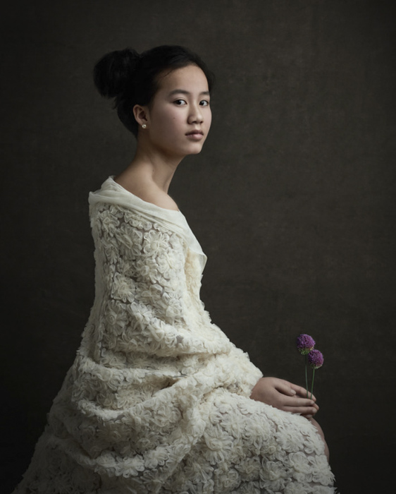 Девушка с цветком. Автор: Gemmy Woud-Binnendijk.