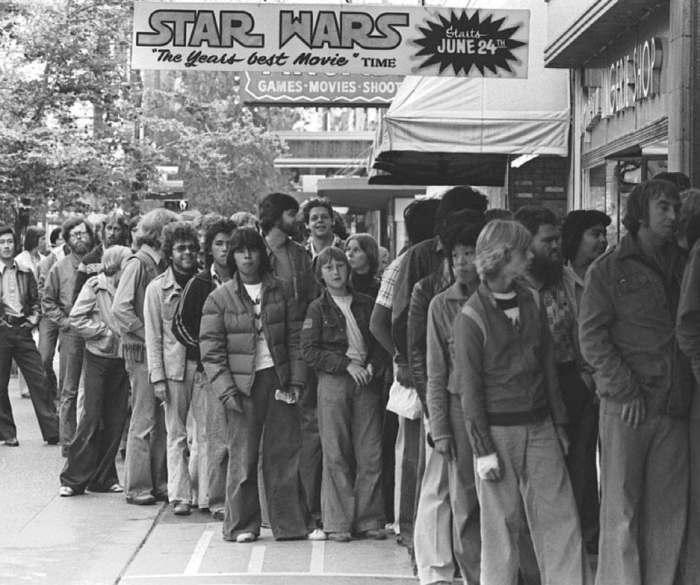 Очередь за билетами на «Звёздные войны». \ Фото: twitter.com.