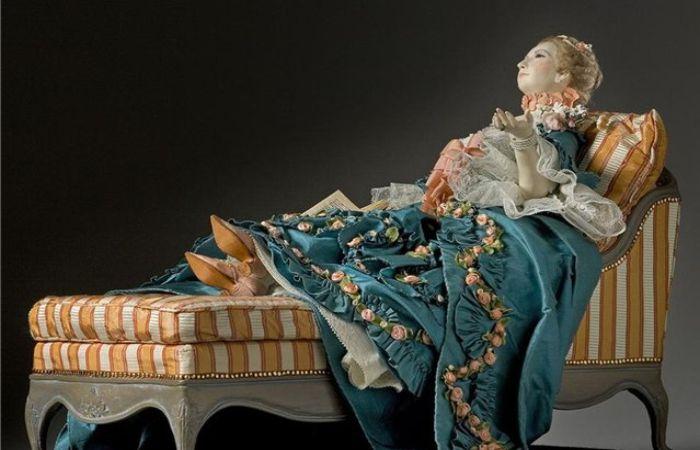 Жанна-Антуанетта Пуассон более известная как маркиза де Помпадур (29 декабря 1721 — 15 апреля 1764). Автор: George Stuart.