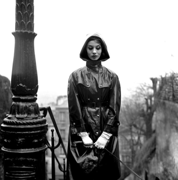 На прогулке. Автор: Georges Dambier.