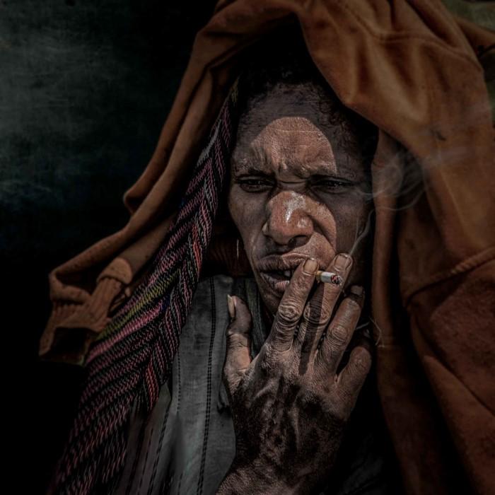 Курильщик. Автор: GianStefano Fontana.