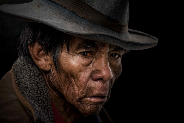 Таинственный незнакомец в шляпе. Автор: GianStefano Fontana.