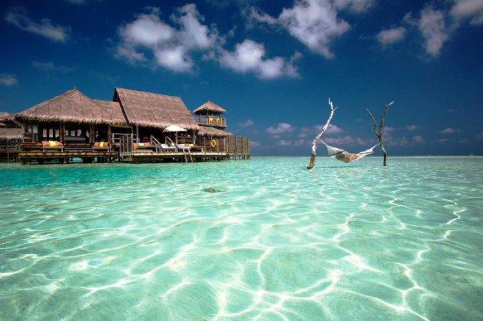 Убегая от себя, отправляйтесь на Мальдивы.