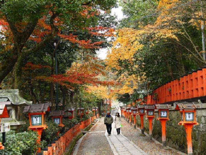Храм Ясака-дзиндзя. \ Фото: tourjapan.ru.