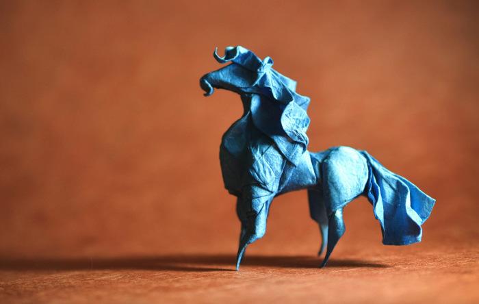 Конь. Мастер оригами: Гонсало Гарсия Кальво (Gonzalo Garcia Calvo).