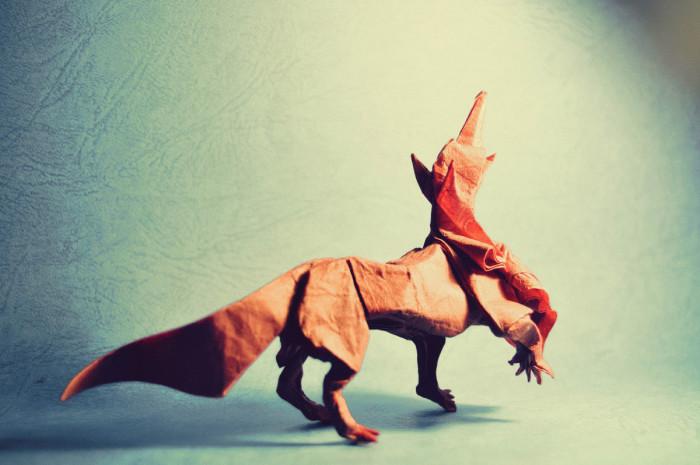 Огнедышащий дракон. Мастер оригами: Гонсало Гарсия Кальво (Gonzalo Garcia Calvo).