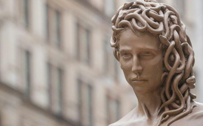 Статуя Медузы Горгоны. \ Фото: frammenti-m.com.