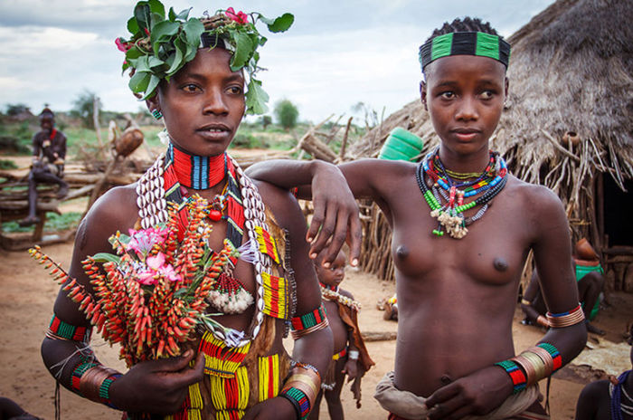 Совсем неудивительно, что девушки из этого племени считаются самыми красивыми в Эфиопии.
