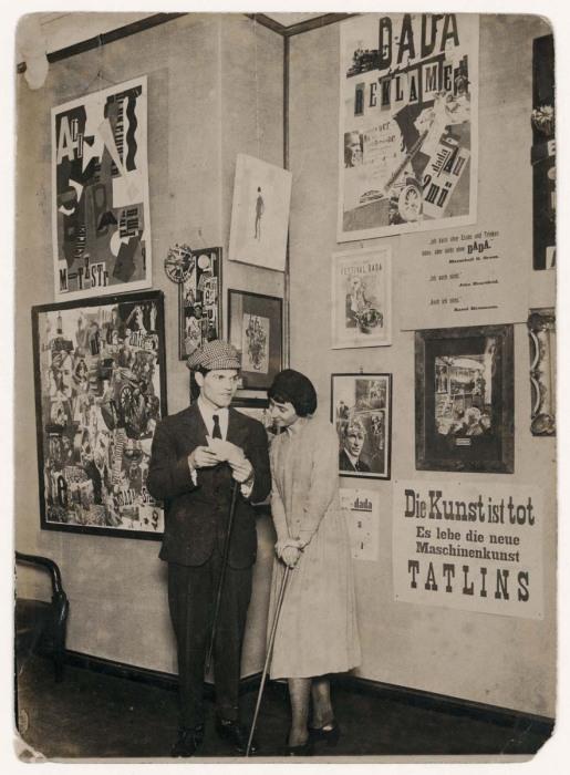 Рауль Хаусман и Ханна Хёх, 1920 год. \ Фото: brewminate.com.