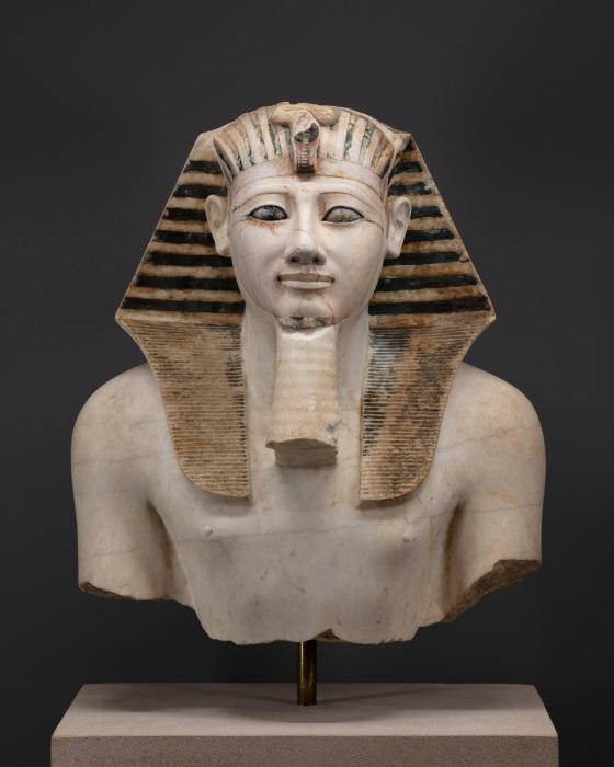 Статуя Тутмоса III, ок. 1479-1425 гг. до н. э. \ Фото: egyptiangeographic.com.