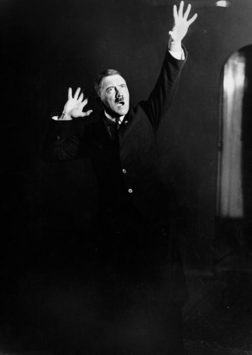 Гитлер. Автор фото: Генрих Гофман (Heinrich Hoffmann).