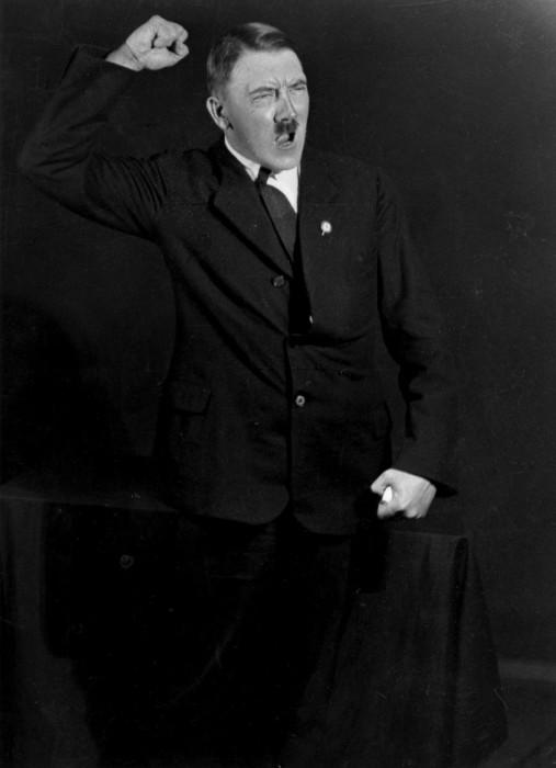Адольф Гитлер. Автор фото: Генрих Гофман (Heinrich Hoffmann).