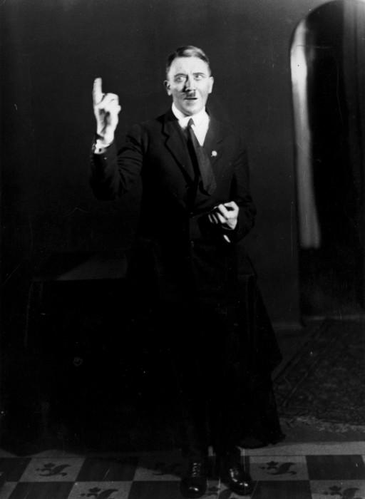 Гитлер в объективе Генриха Гофмана (Heinrich Hoffmann).