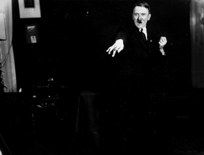 Великий диктатор Адольф Гитлер. Автор фото: Генрих Гофман (Heinrich Hoffmann).