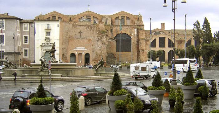 Базилика Санта-Мария-дельи-Анджели-э-деи-Мартири. \ Фото: ru.wikipedia.org.