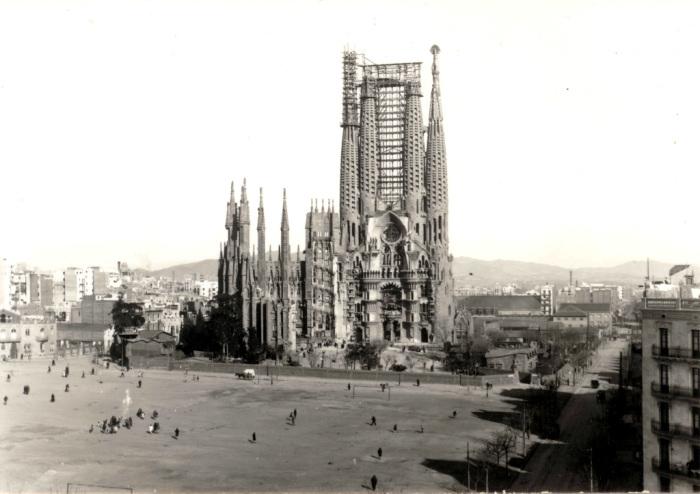 Строительство храма Святого Семейства. \ Фото: blog.sagradafamilia.org.