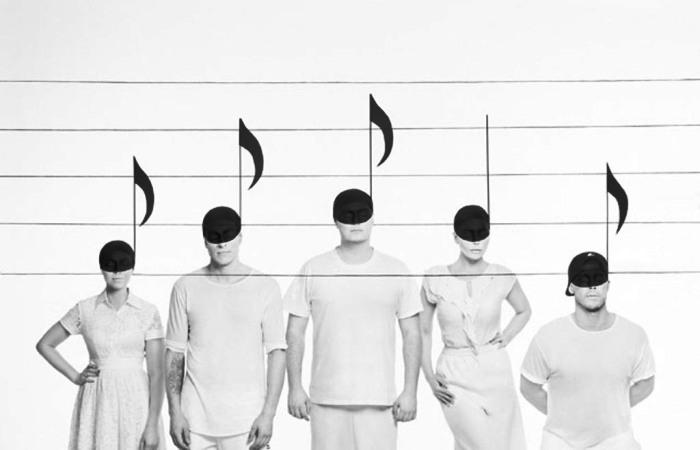 Музыка: Минималистический боди-арт в серии снимков Humiforms. Авторы: Вероника Ершова и Александр Хохлов.