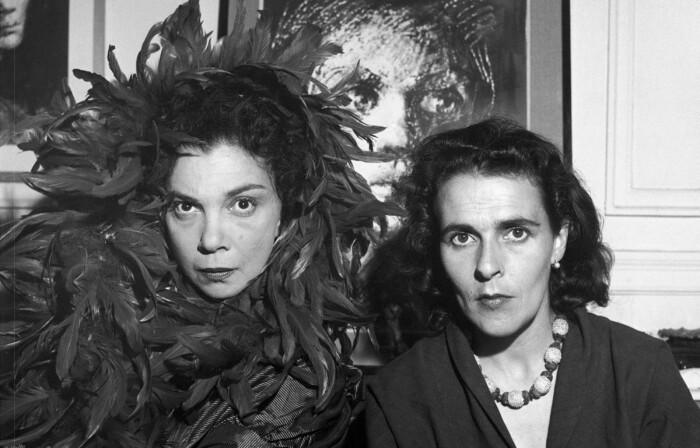 Леонор Фини и Леонора Каррингтон, 1952 год. \ Фото: ar.pinterest.com.