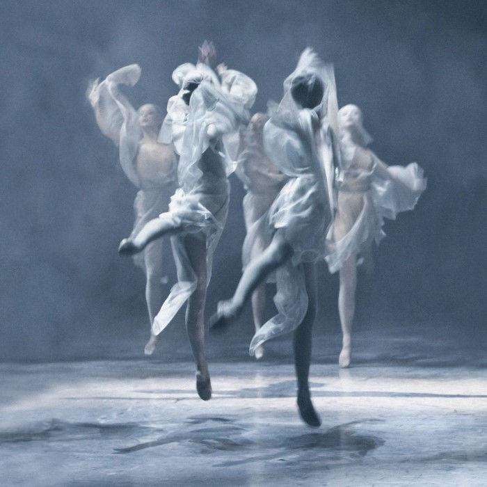Призрачный танец. Автор: Ingrid Bugge.