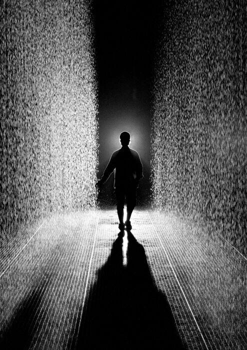 Random International: Rain Room, 2013 год. \ Фото: pinterest.com.au.