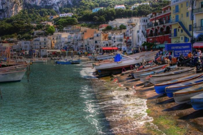 Побережье острова Капри.