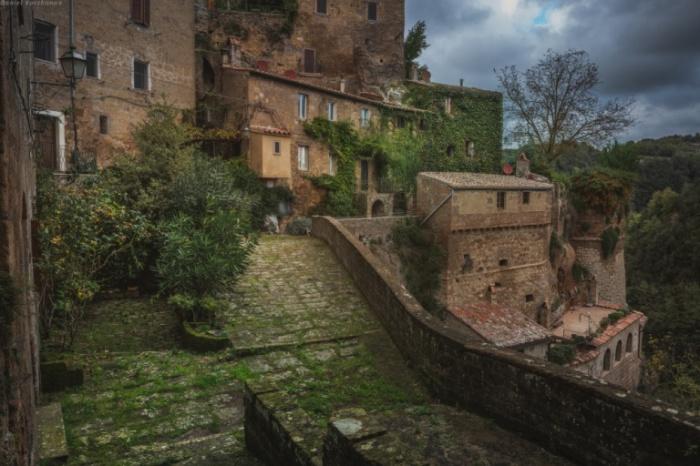Улочки города Сорано в Тоскане.