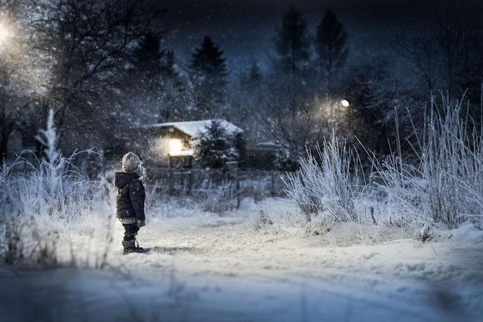 Одной зимней ночью. Автор: Iwona Podlasinska.