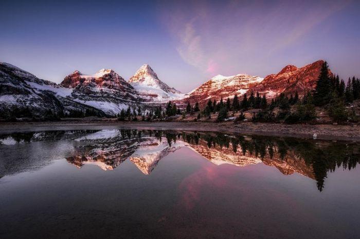Гора Ассинибоайн Провинциальный парк является провинциальным парком в Британской Колумбии, Канада. Автор: Jack Bolshaw и Marta Kulesza.