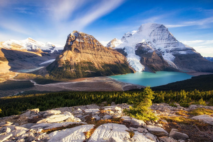 Берг-Лейк, Провинциальный парк Маунт-Робсон, Канада. Автор: Jack Bolshaw и Marta Kulesza.