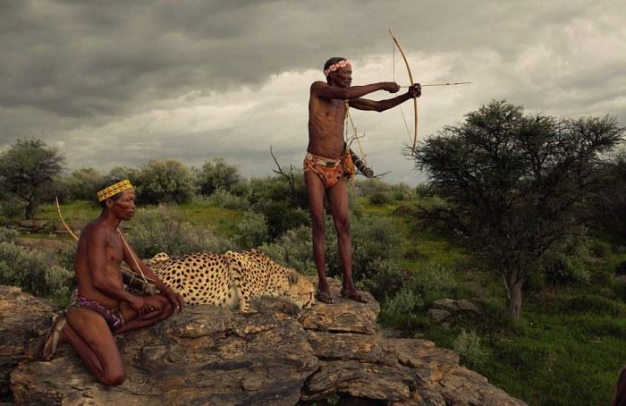 Охотники из народа сан. Автор фото: Jack Somerville.