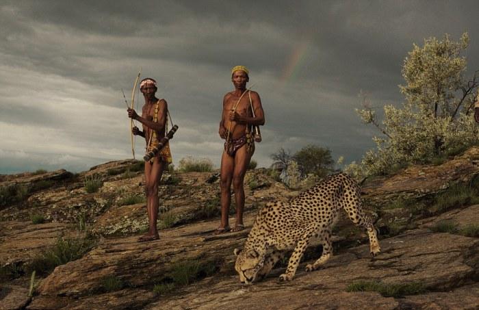 Охотники из народа сан не ведают страха. Автор фото: Jack Somerville.