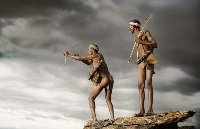 Бесстрашные охотники из народа сан. Автор фото: Jack Somerville.