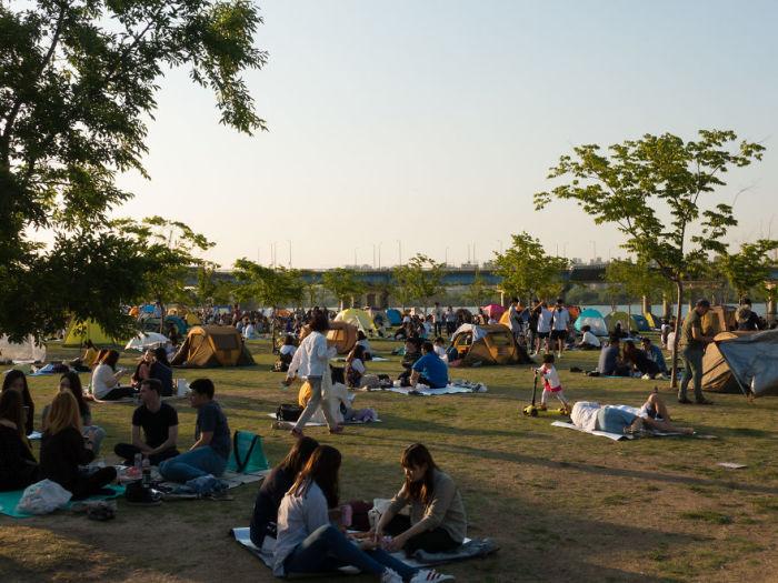 Как люди проводят своё свободное время. Южная Корея. Автор: Jacob Laukaitis.
