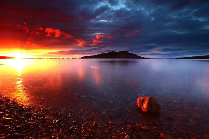 Арран - остров и находящаяся на нем историческая область в заливе Ферт-оф-Клайд на западе Шотландии. Автор фото: James Appleton.