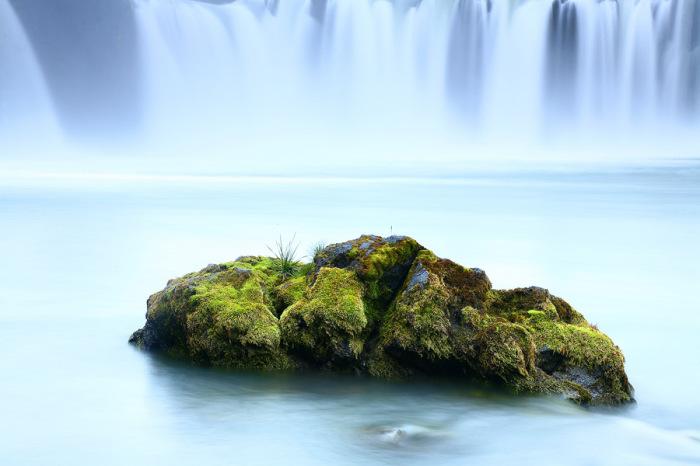 У водопада Гудафосс в Исландии. Автор фото: James Appleton.