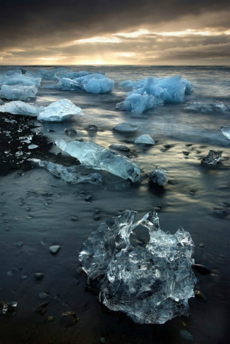 Ледниковая лагуна Йокульсарлон, Исландия. Автор фото: James Appleton.