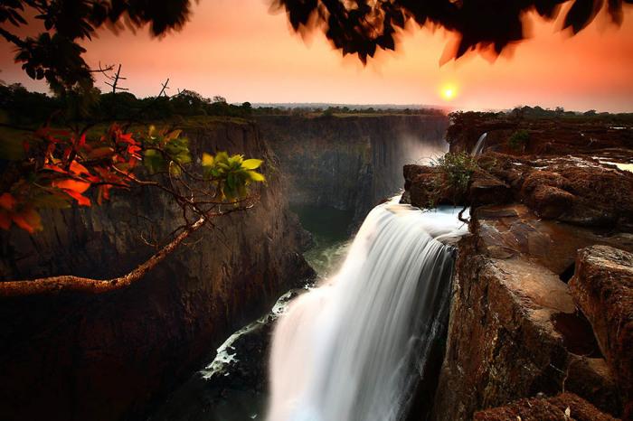 Водопад Виктория, Замбия. Автор фото: James Appleton.