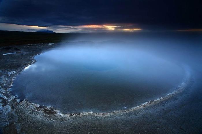 Гейсир — самый первый гейзер «Золотого кольца Исландии», расположенный в долине Хаукадалур. Автор фото: James Appleton.