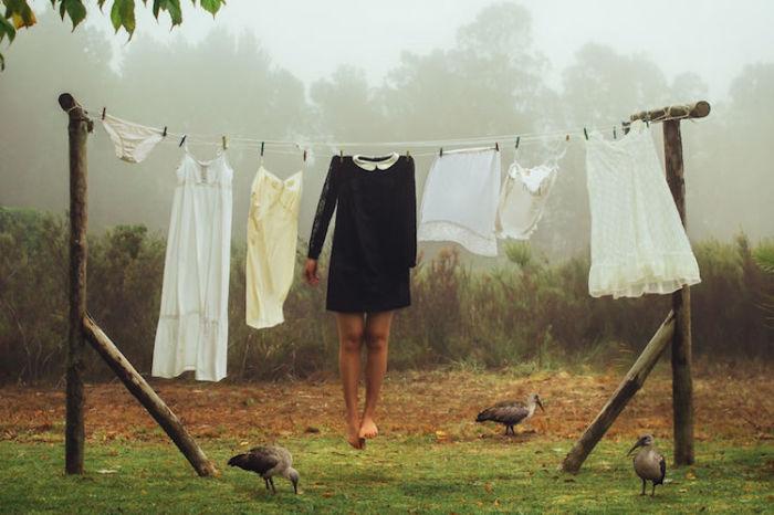 Почему я не могу примерить другие жизни, как платья, чтобы посмотреть, какая лучше подойдёт? Автор: Janelia Mould.