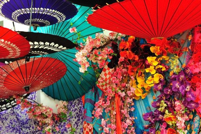 Цветочные  мотивы и буйство красок. \ Фото: 2luxury2.com.