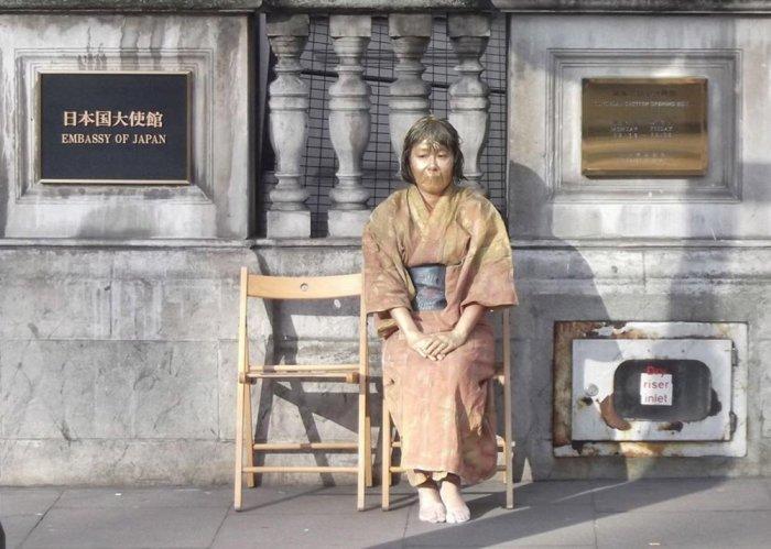Симада Ёсико, Статуя японской женщины для утех, 2012 год. \ Фото: japanobjects.com.