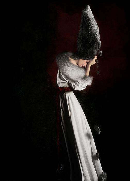 Королева. Автор работ: Япи Хону (Japi Honoo).