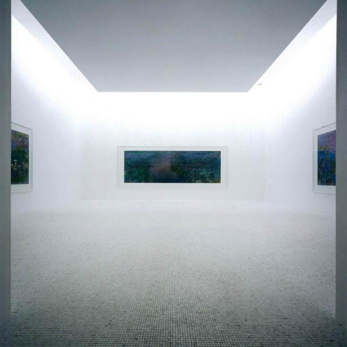Водяные лилии Моне в комнате со стеклянной крышей. \ Фото: german-architects.com.