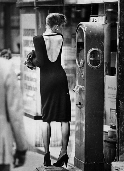 На прогулке. Автор: Jean-Francois Jonvelle.
