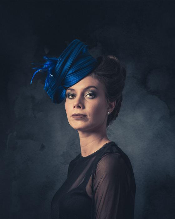 Синяя шляпка. Автор: Jeroen Adema.