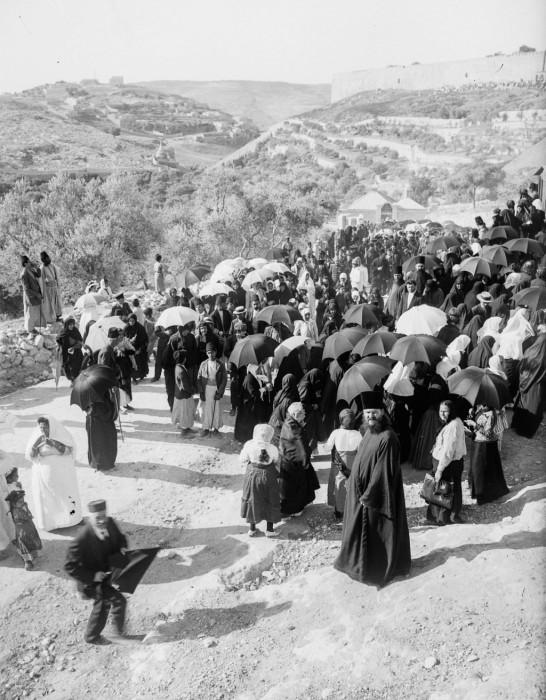 Русские паломники в Кедронской долине. 1915 год.