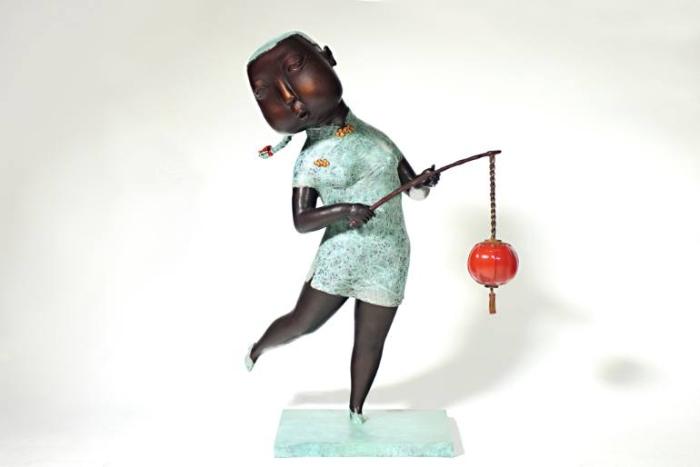 Девушка и красный фонарь. Автор: Jiahui Wu.