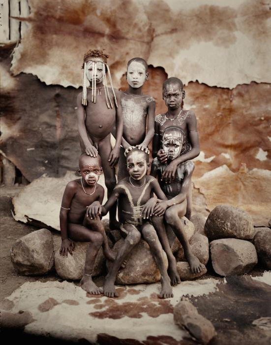 Дети из племени Каро. Эфиопия. Автор фото: Джимми Нельсон (Jimmy Nelson).