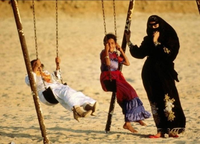 Женщины Саудовской Аравии, 1987 год. Автор: Jodi Cobb.